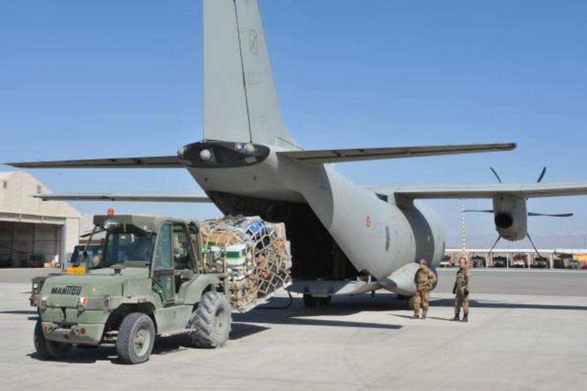 Them mot may bay C-27J Spartan cua My lai bi roi o Iraq-Hinh-10