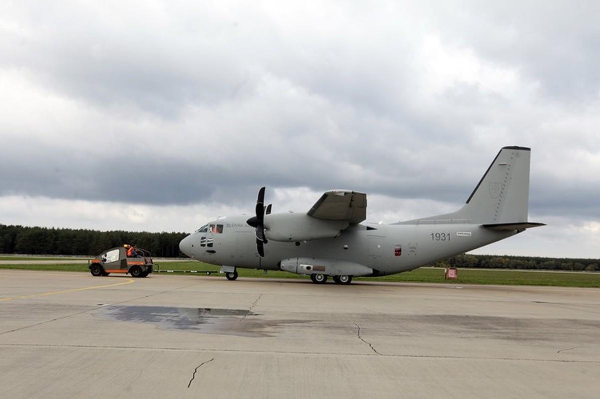 Them mot may bay C-27J Spartan cua My lai bi roi o Iraq-Hinh-15