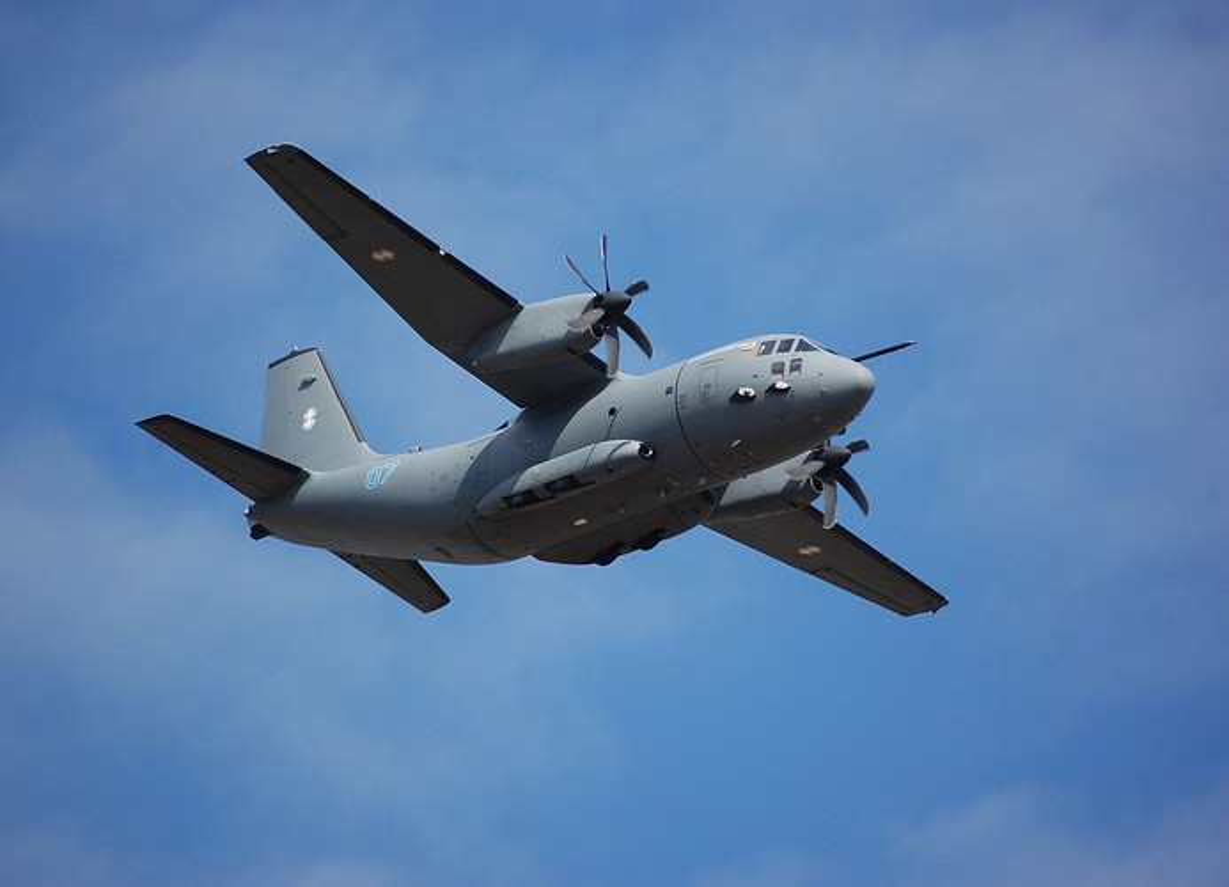 Them mot may bay C-27J Spartan cua My lai bi roi o Iraq-Hinh-2
