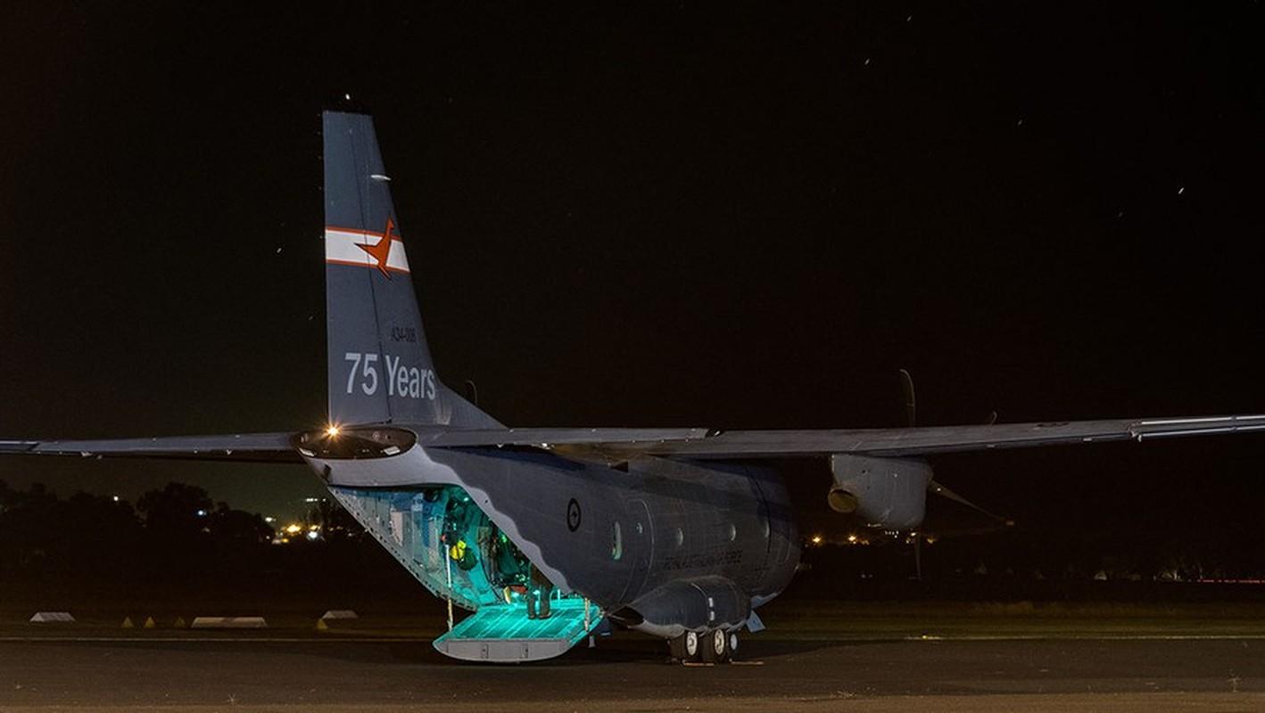 Them mot may bay C-27J Spartan cua My lai bi roi o Iraq-Hinh-5