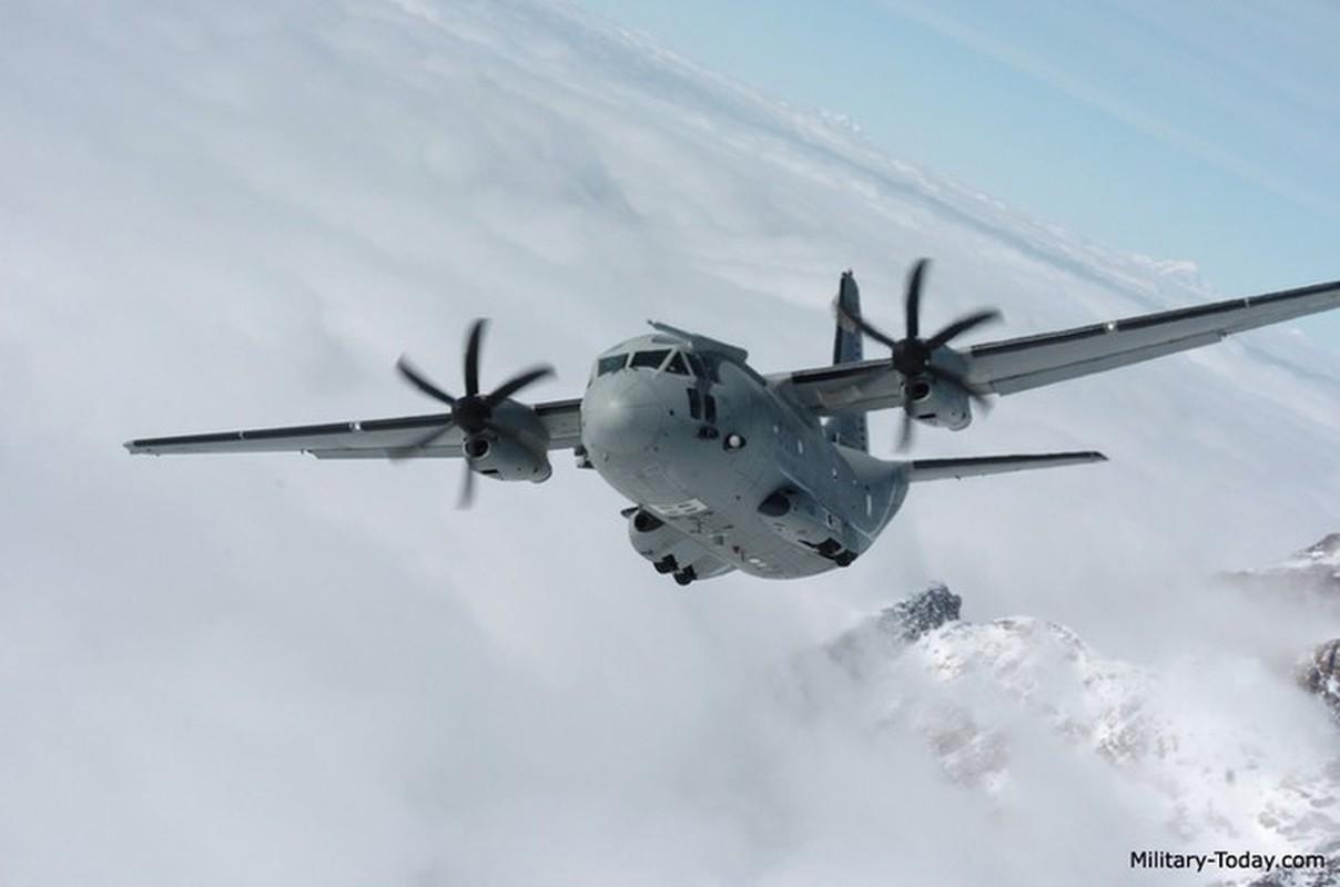 Them mot may bay C-27J Spartan cua My lai bi roi o Iraq-Hinh-8