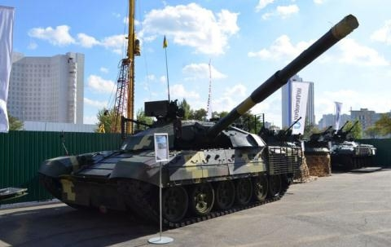 Tang thiep giap Ukraine manh len gap boi khi tiep nhan T-72AMT-Hinh-2