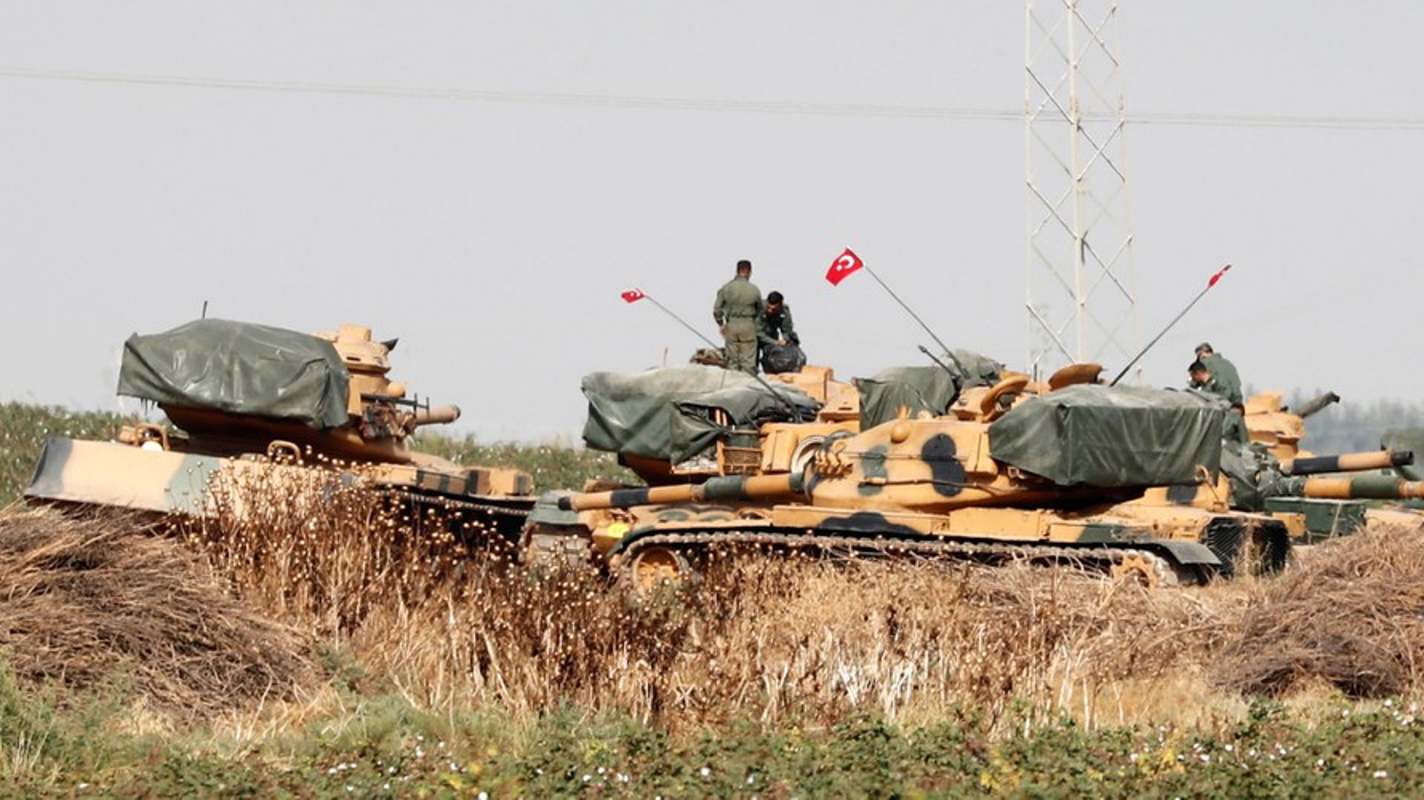 Phao binh Tho Nhi Ky truc tiep tung hoa luc ho tro phien quan o Idlib-Hinh-12