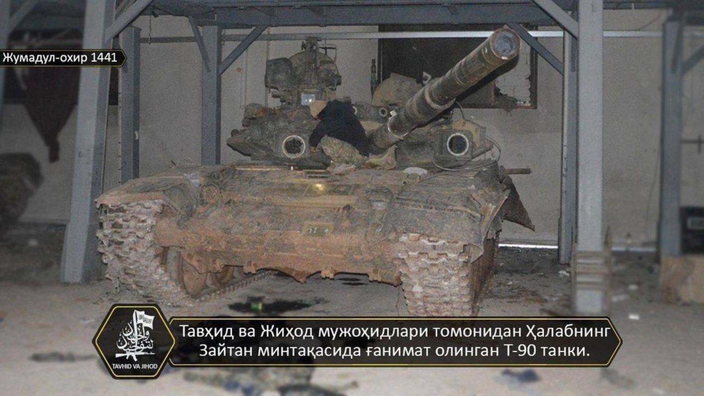 Phien quan khoi phuc xe tang T-90 chien loi pham, ha them nhieu truc thang Syria-Hinh-3