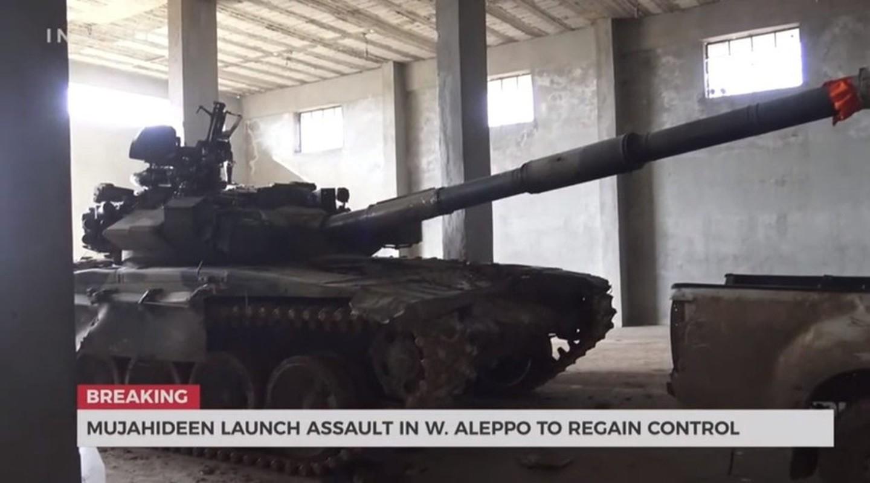 Phien quan khoi phuc xe tang T-90 chien loi pham, ha them nhieu truc thang Syria-Hinh-4