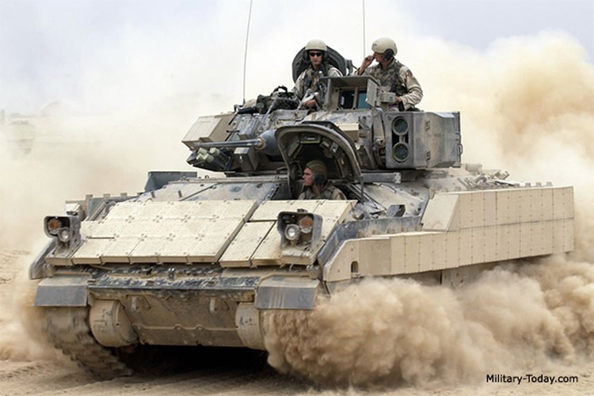 Sau xe tang M1A2 Abrams, My dua tiep xe chien dau M2 Bradley vao chien truong Syria-Hinh-12