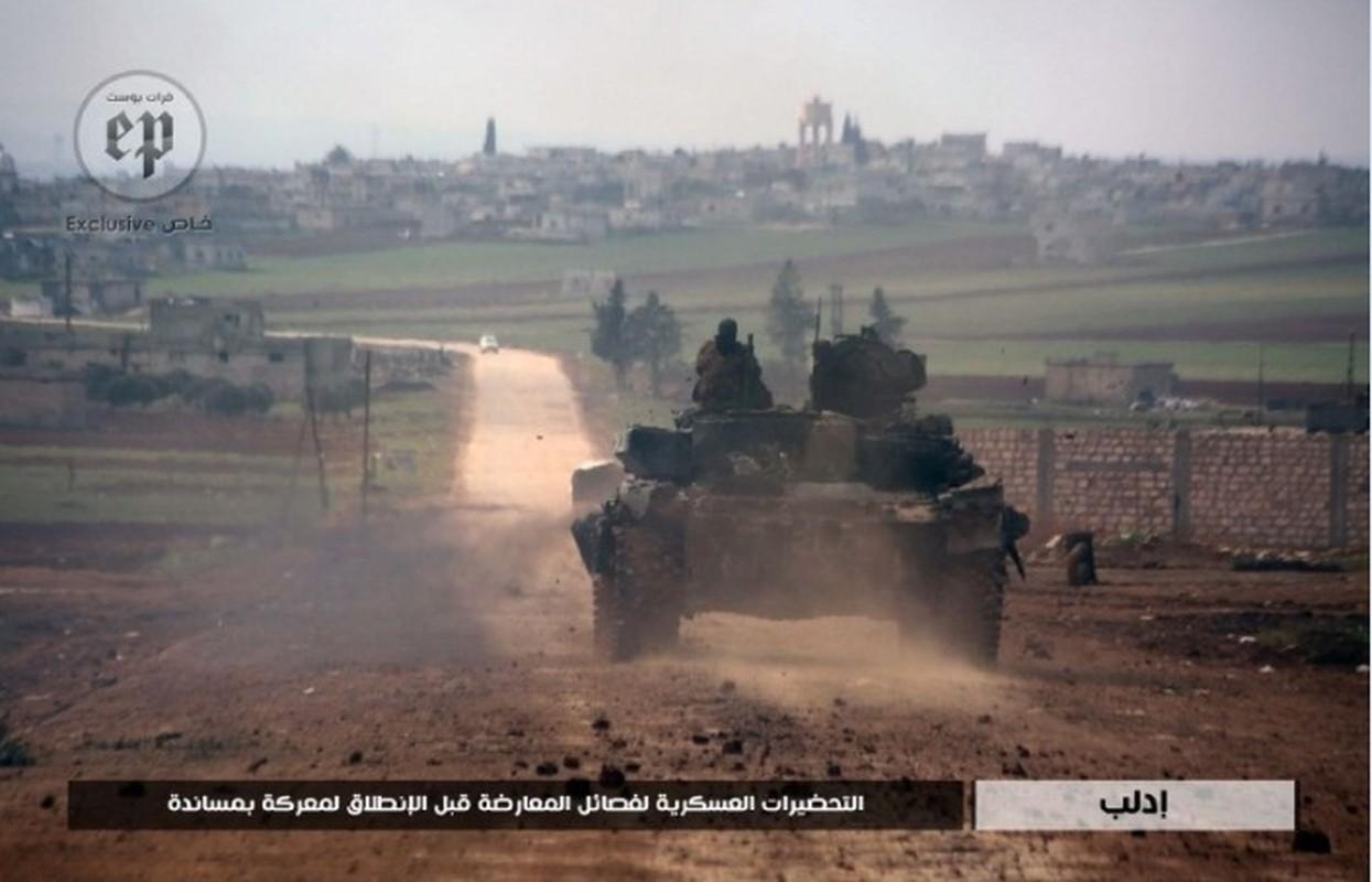 Phien quan HTS dung xe tang T-90A tan cong quan doi chinh phu Syria-Hinh-4