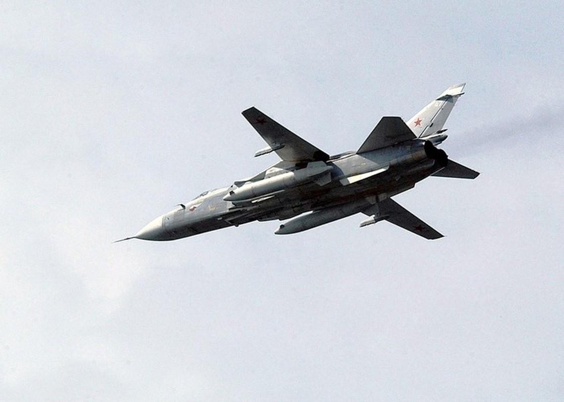 Bi Tho Nhi Ky tan cong, Su-24 Nga thoat nan o Idlib nho phi cong dieu luyen-Hinh-5