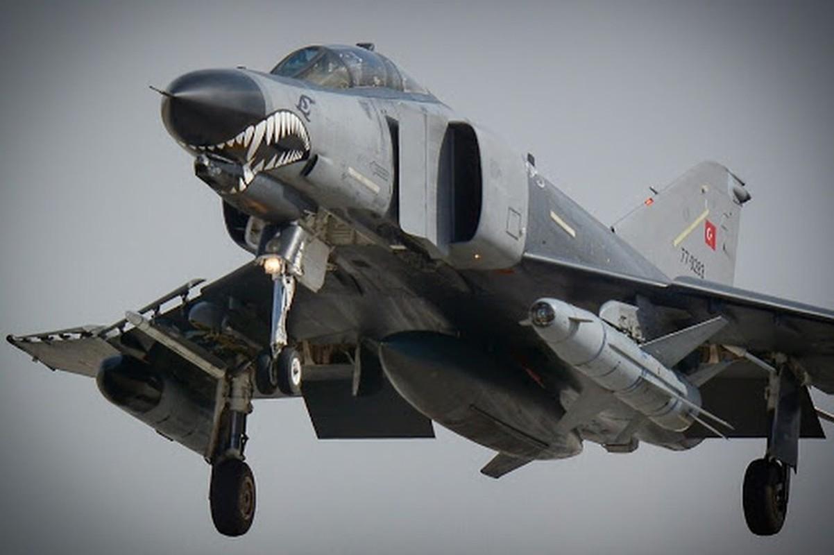 Tho Nhi Ky tinh dung tiem kich F-4E 2020T doi dau khong quan Nga o Syria-Hinh-11