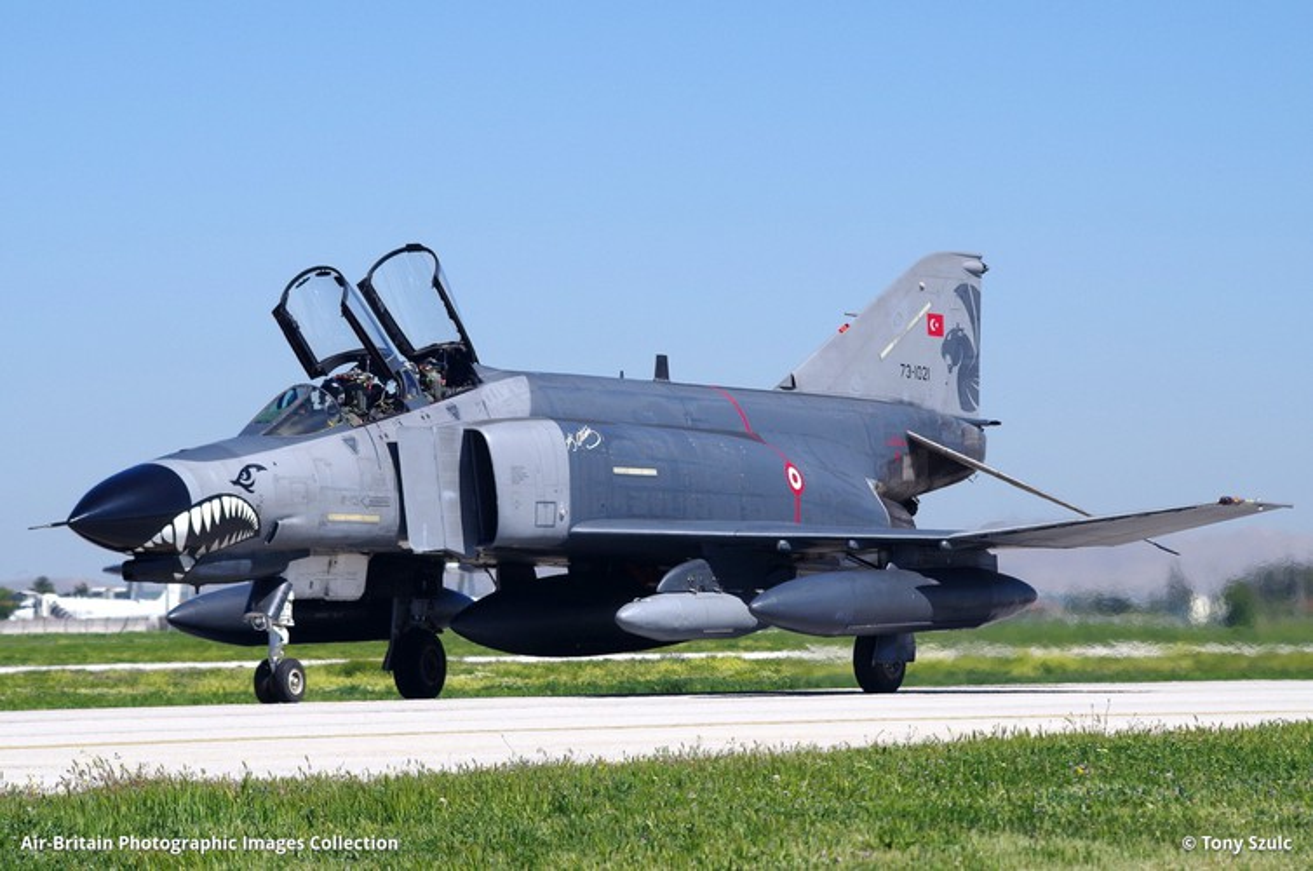 Tho Nhi Ky tinh dung tiem kich F-4E 2020T doi dau khong quan Nga o Syria-Hinh-12