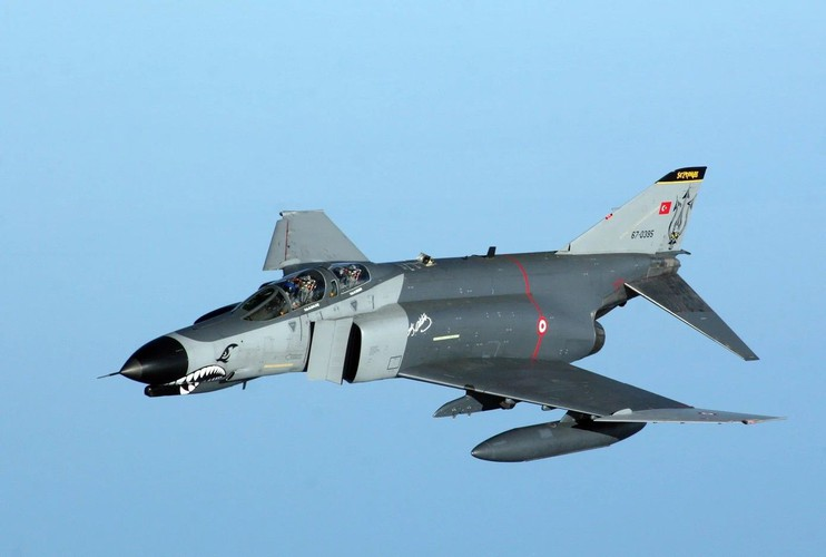 Tho Nhi Ky tinh dung tiem kich F-4E 2020T doi dau khong quan Nga o Syria-Hinh-18