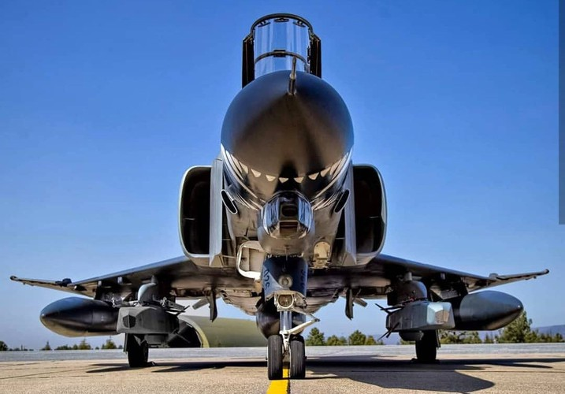 Tho Nhi Ky tinh dung tiem kich F-4E 2020T doi dau khong quan Nga o Syria-Hinh-3