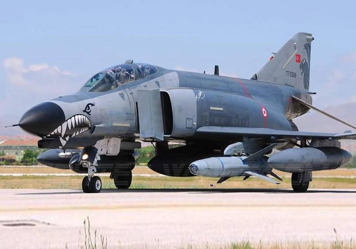 Tho Nhi Ky tinh dung tiem kich F-4E 2020T doi dau khong quan Nga o Syria-Hinh-4