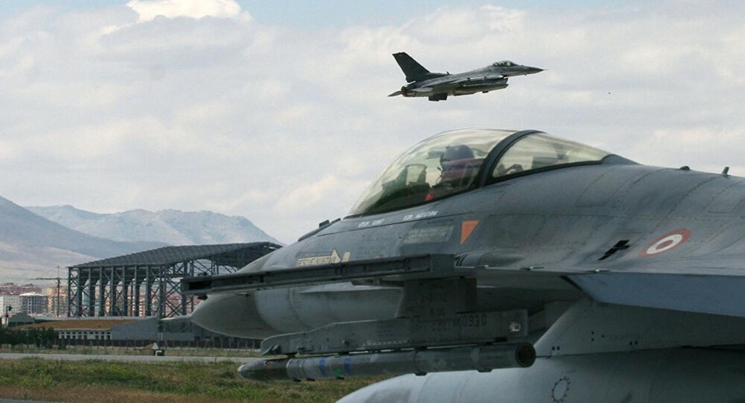 Neu giao tranh, F-16 Tho Nhi Ky co vuot qua duoc S-300 Syria?-Hinh-3
