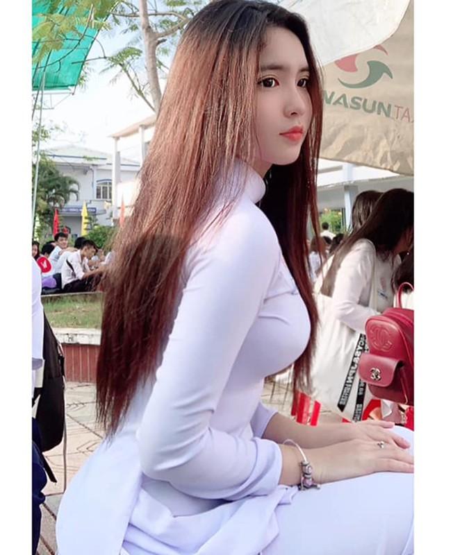 5 nu sinh 17,18 tuoi Viet lai Tay som lam nguoi mau, gu mac truong thanh-Hinh-11