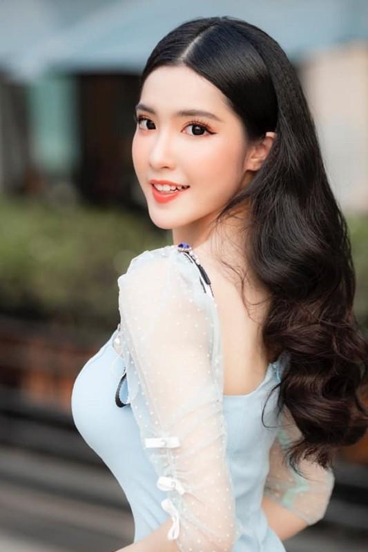 5 nu sinh 17,18 tuoi Viet lai Tay som lam nguoi mau, gu mac truong thanh-Hinh-12