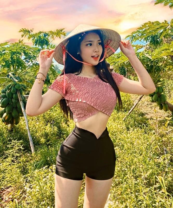 5 nu sinh 17,18 tuoi Viet lai Tay som lam nguoi mau, gu mac truong thanh-Hinh-14