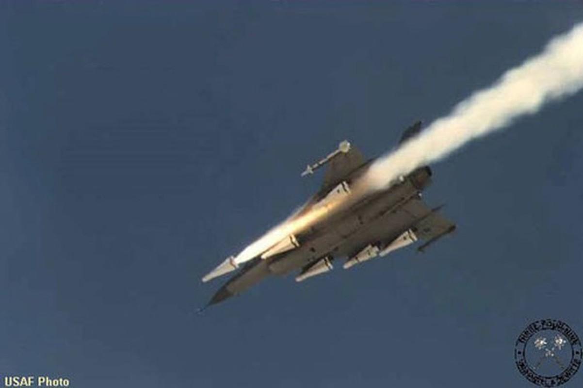 Suc manh bien the dac biet tiem kich F-16 lung danh cua My-Hinh-3