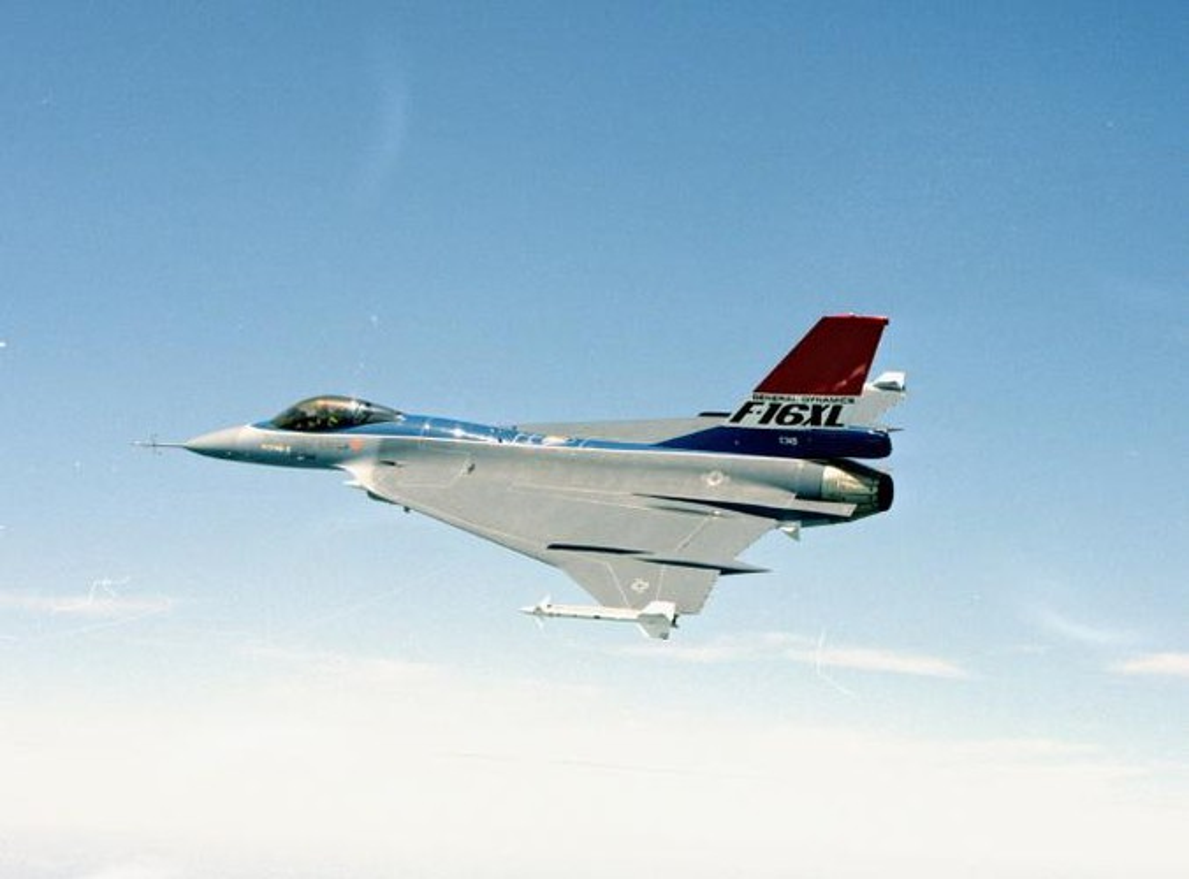 Suc manh bien the dac biet tiem kich F-16 lung danh cua My-Hinh-4
