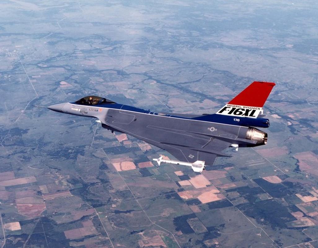 Suc manh bien the dac biet tiem kich F-16 lung danh cua My