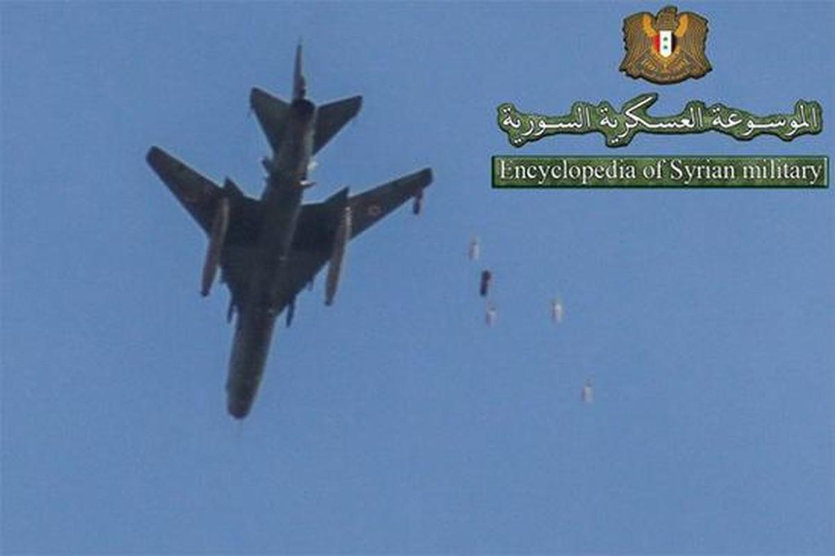 """Vi sao """"ong gia gan"""" Su-22 van la ac mong cua luc luong phien quan Syria?-Hinh-11"""