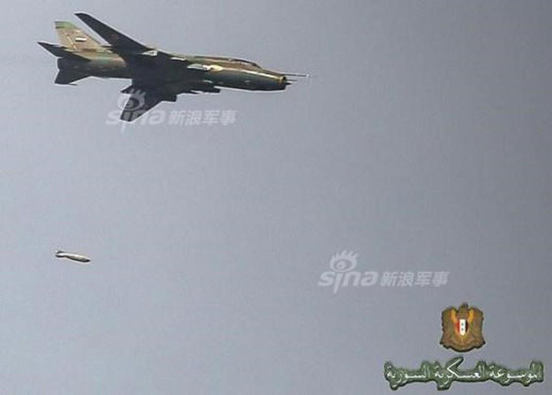 """Vi sao """"ong gia gan"""" Su-22 van la ac mong cua luc luong phien quan Syria?-Hinh-14"""
