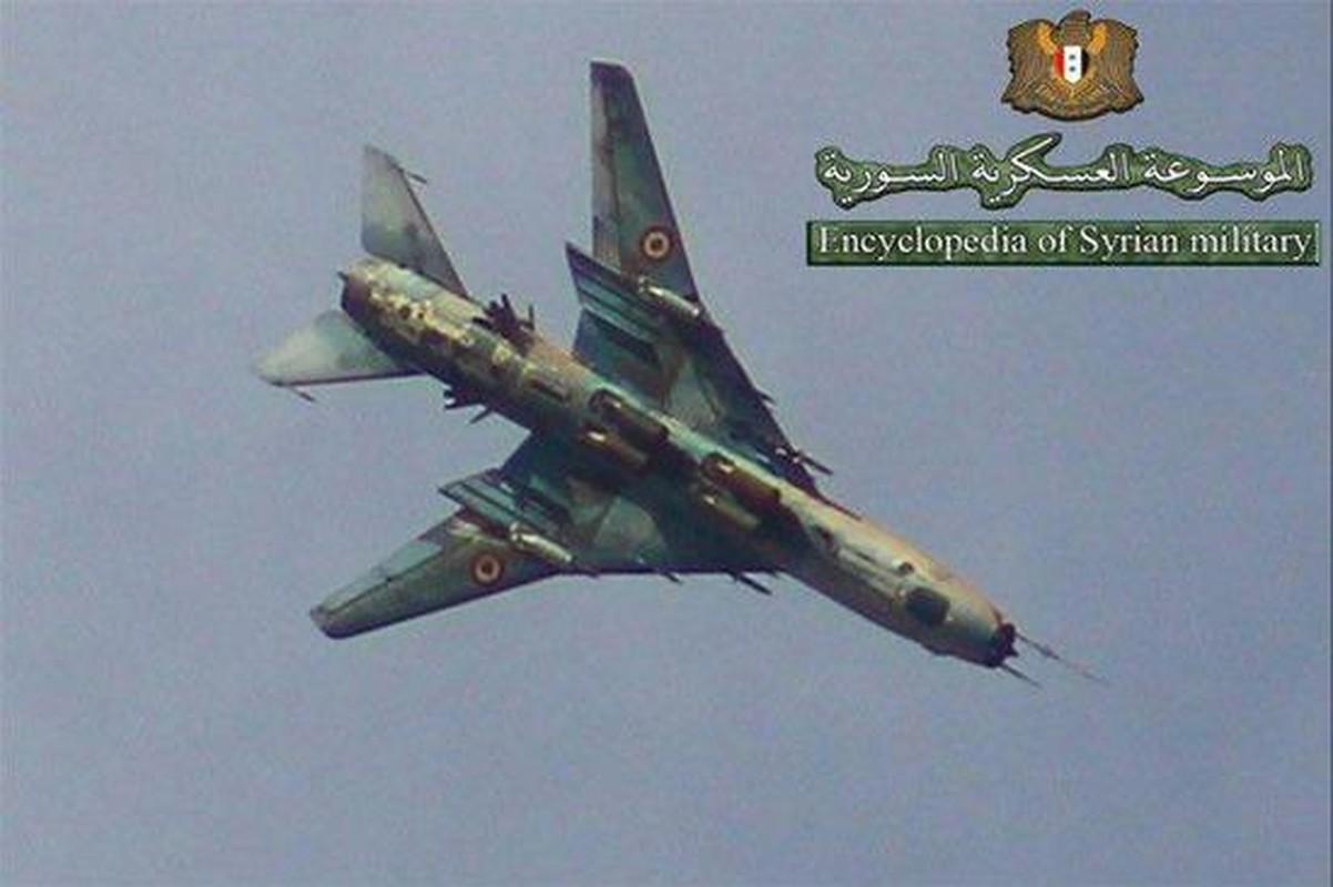 """Vi sao """"ong gia gan"""" Su-22 van la ac mong cua luc luong phien quan Syria?-Hinh-2"""