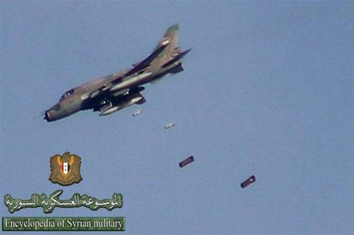"""Vi sao """"ong gia gan"""" Su-22 van la ac mong cua luc luong phien quan Syria?-Hinh-3"""