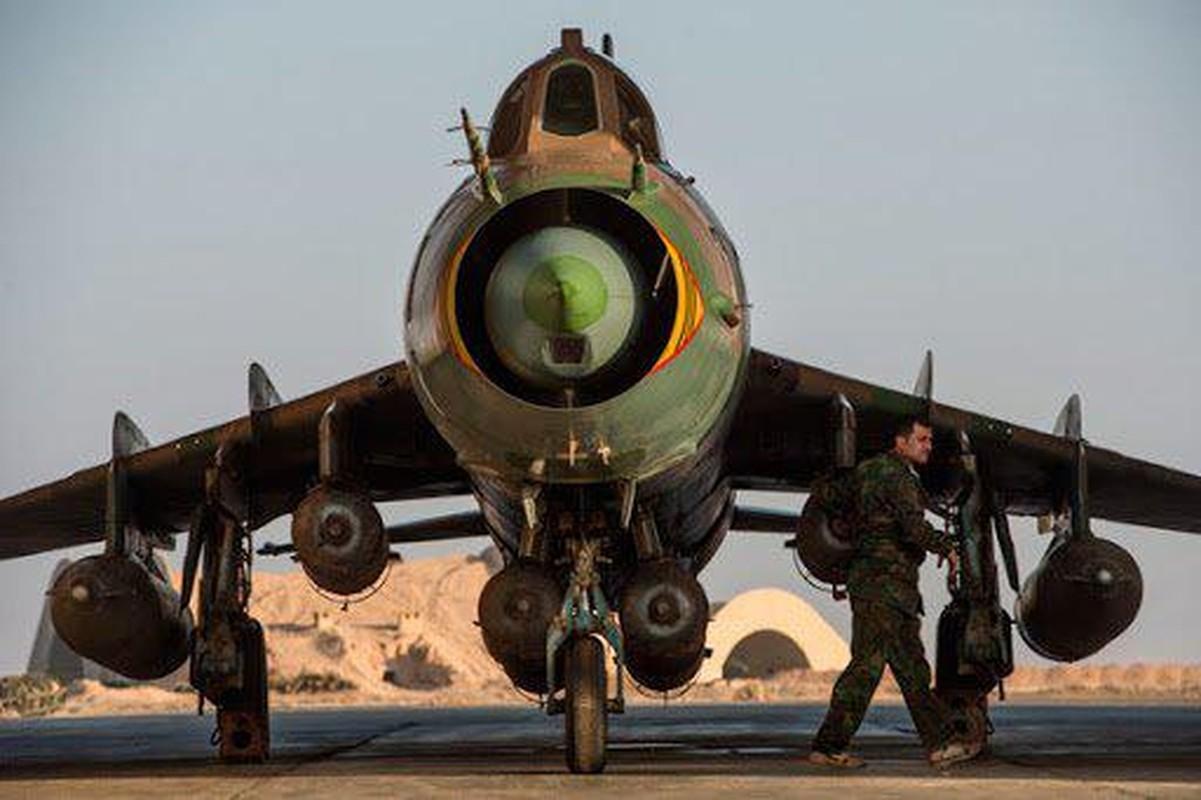 """Vi sao """"ong gia gan"""" Su-22 van la ac mong cua luc luong phien quan Syria?-Hinh-7"""