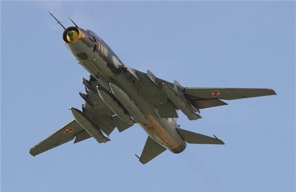 """Vi sao """"ong gia gan"""" Su-22 van la ac mong cua luc luong phien quan Syria?-Hinh-8"""