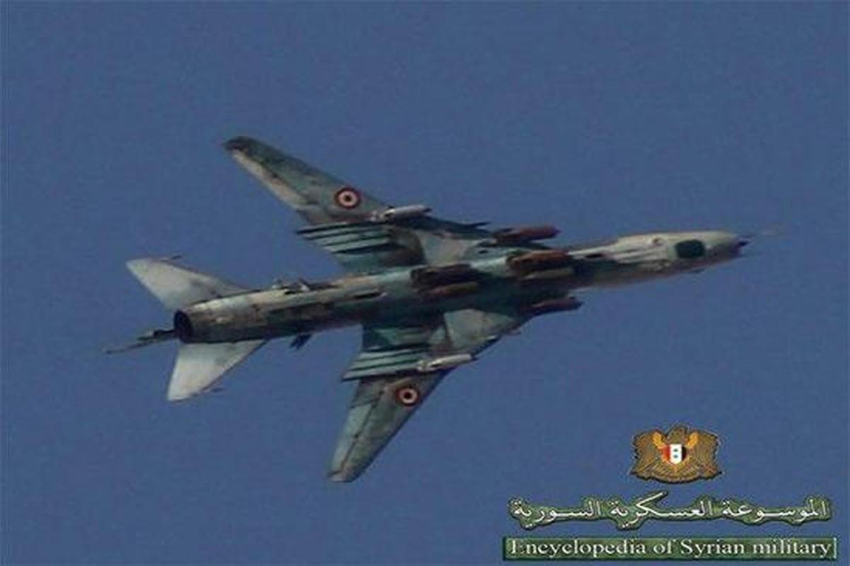 """Vi sao """"ong gia gan"""" Su-22 van la ac mong cua luc luong phien quan Syria?"""