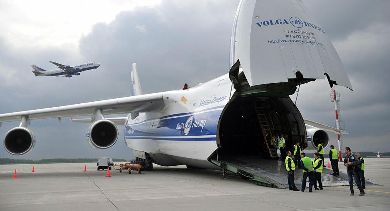 Nga kho khan khi nang cap may bay An-124 do cang thang voi Ukraine-Hinh-4