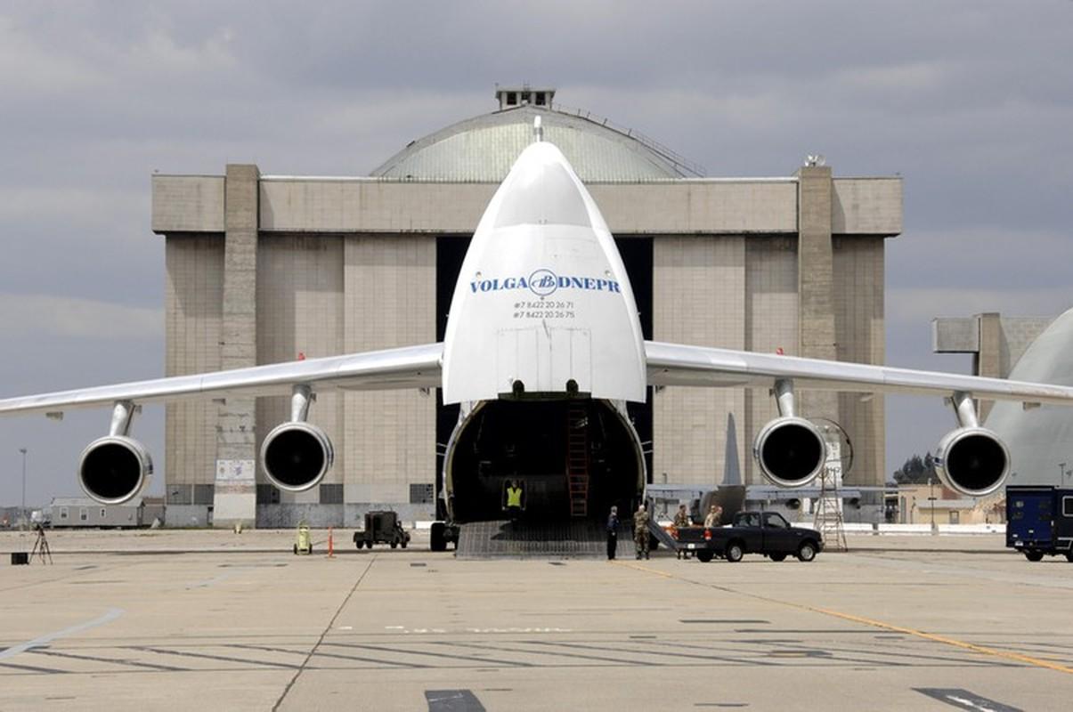 Nga kho khan khi nang cap may bay An-124 do cang thang voi Ukraine-Hinh-6