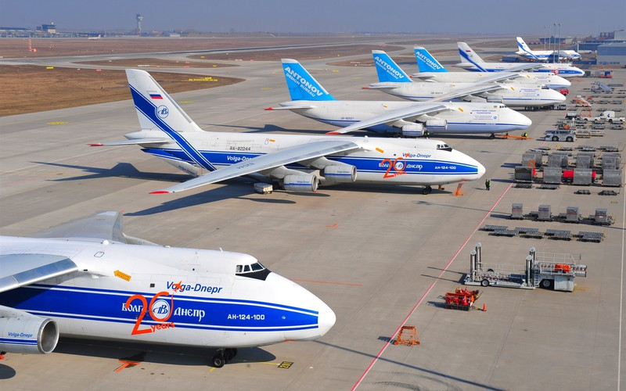 Nga kho khan khi nang cap may bay An-124 do cang thang voi Ukraine-Hinh-9