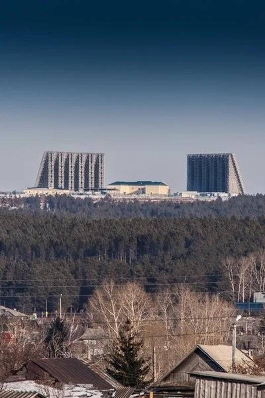 """Lo so chien tranh, Nga tang cuong """"tai mat"""" o Kaliningrad bang tram radar """"hang khung""""-Hinh-2"""