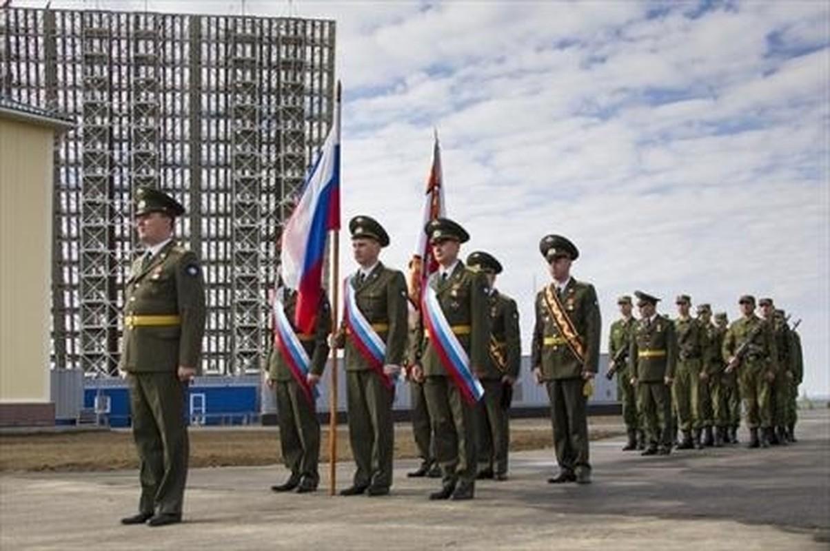 """Lo so chien tranh, Nga tang cuong """"tai mat"""" o Kaliningrad bang tram radar """"hang khung"""""""