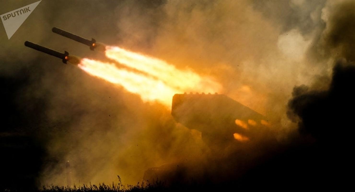 Nga cong bo phao ap nhiet TOS-2 Tosochka trong Ngay chien thang roi dua ngay den Syria?-Hinh-5