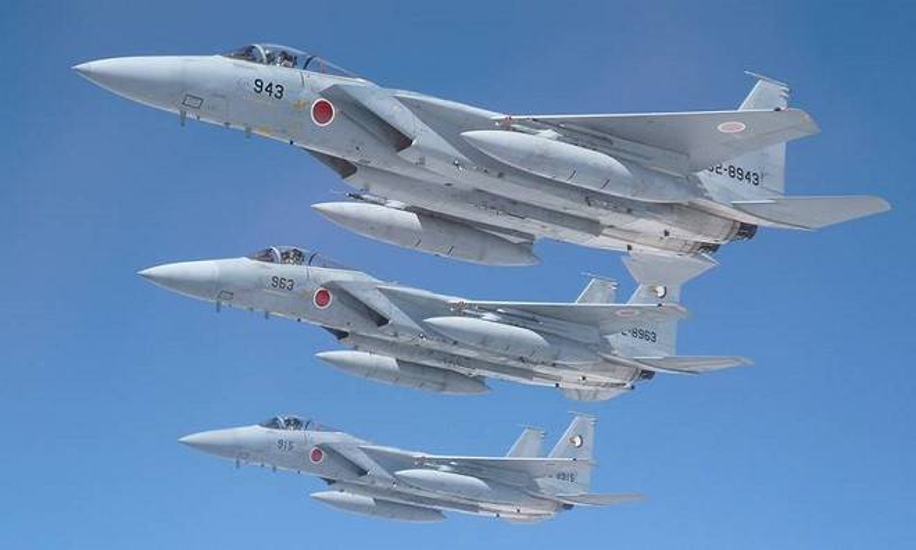 Nhat Ban keo dai thoi gian phuc vu cua tiem kich F-15J: Toan tinh dieu gi?