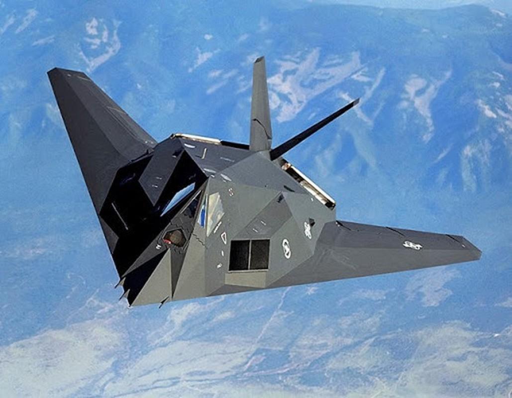 Ly do nao khien F-117 Nighthawk duoc My bi mat cho
