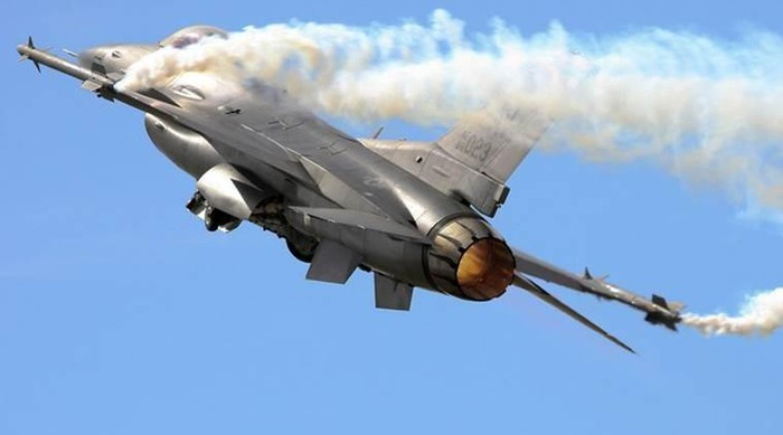 Pakistan muon thay F-16 nhung khong dem xia toi J-10C Trung Quoc: Cua re la cua oi?-Hinh-11