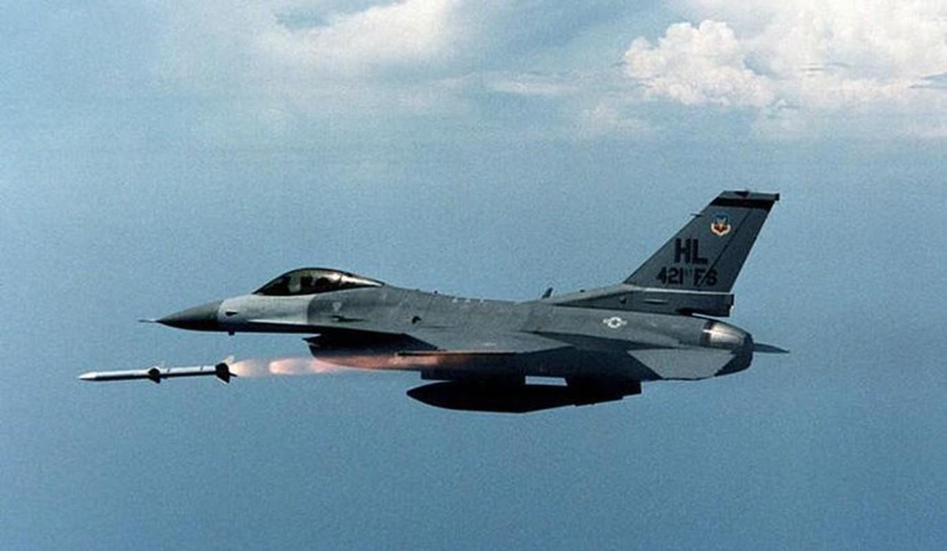 Pakistan muon thay F-16 nhung khong dem xia toi J-10C Trung Quoc: Cua re la cua oi?-Hinh-13