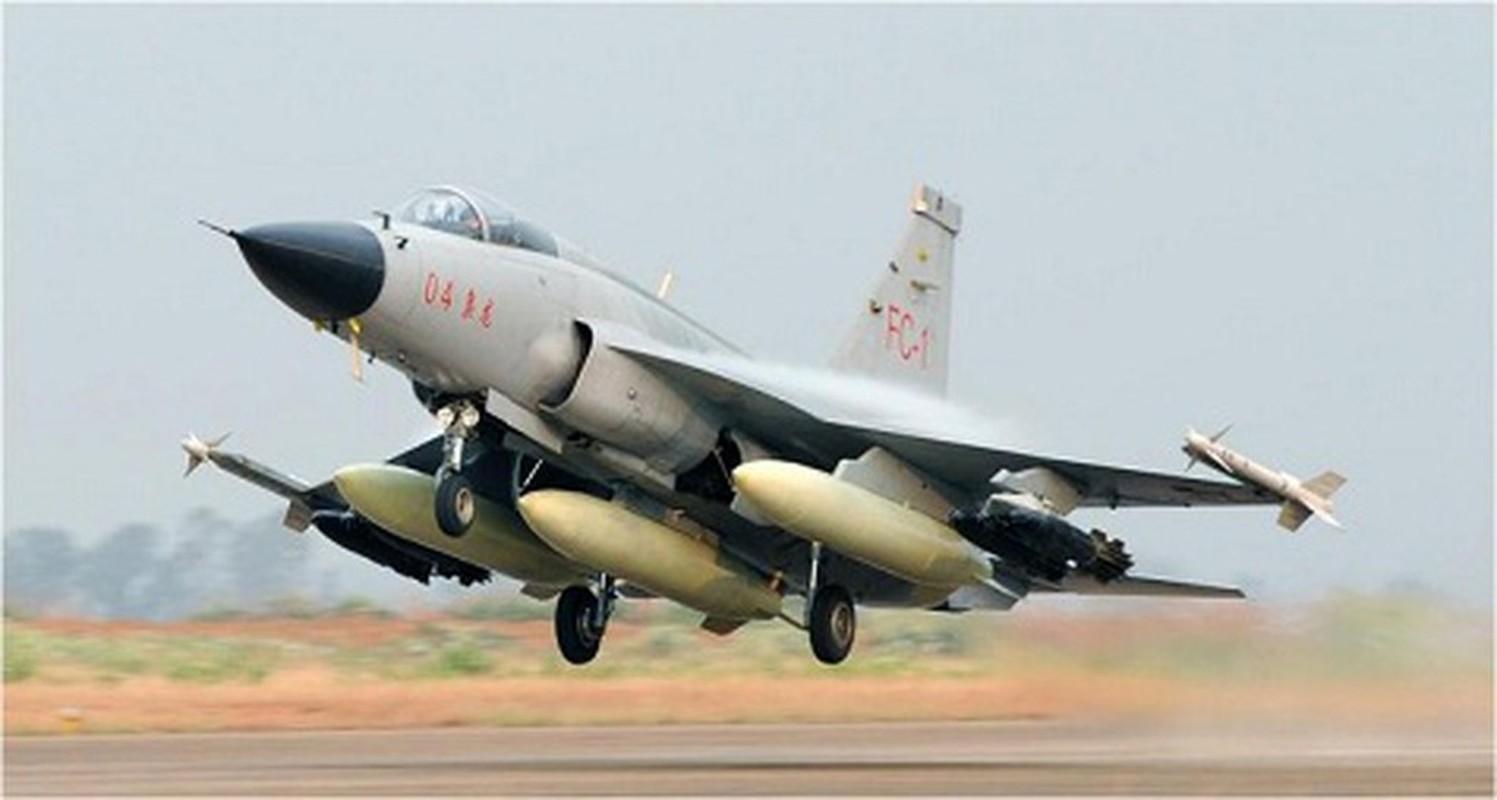 Pakistan muon thay F-16 nhung khong dem xia toi J-10C Trung Quoc: Cua re la cua oi?-Hinh-7