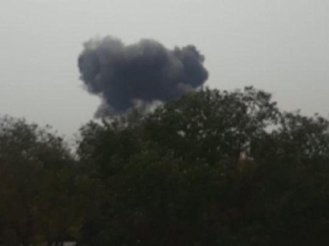 Pakistan muon thay F-16 nhung khong dem xia toi J-10C Trung Quoc: Cua re la cua oi?
