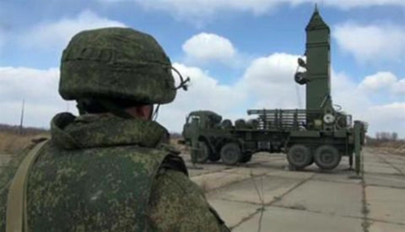 Nga da lam gi de ngan can tau chien NATO lien tuc dom ngo Crimea-Hinh-7