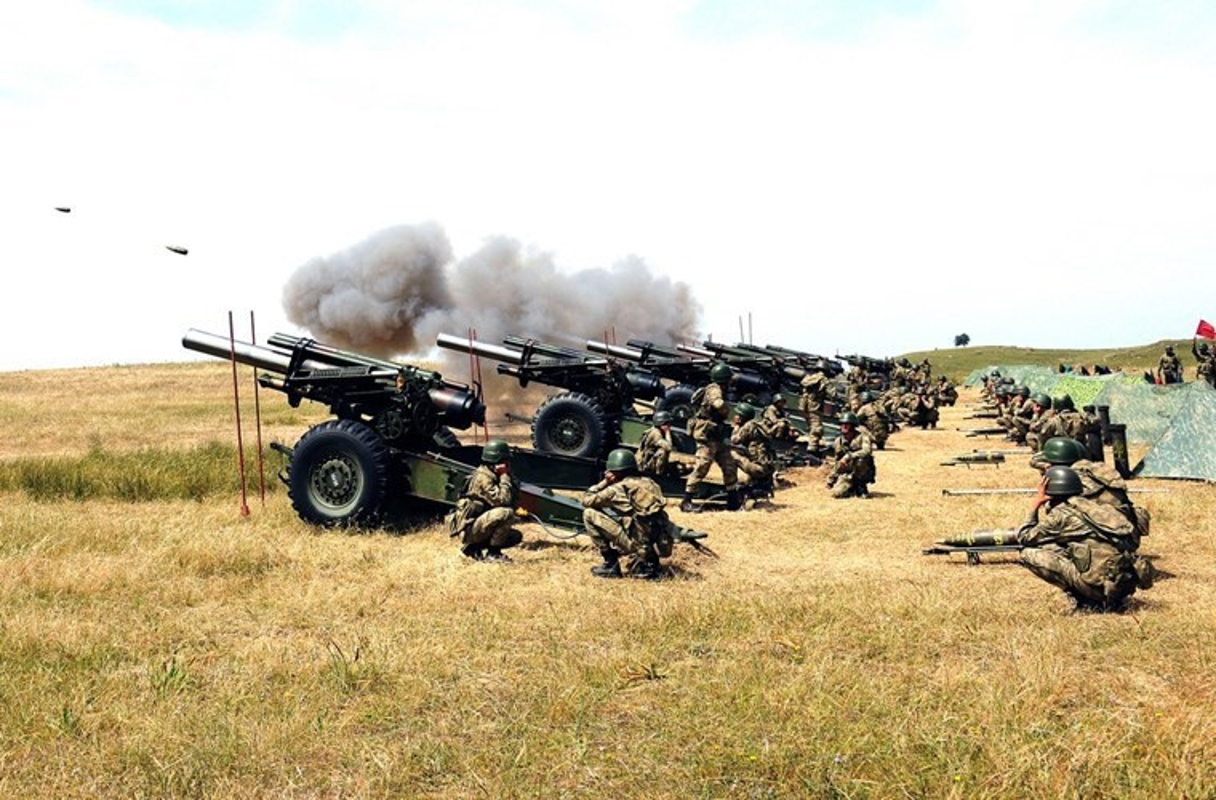Phien quan Syria co them luu phao M114 co nong 155mm do Tho Nhi Ky trang bi-Hinh-12
