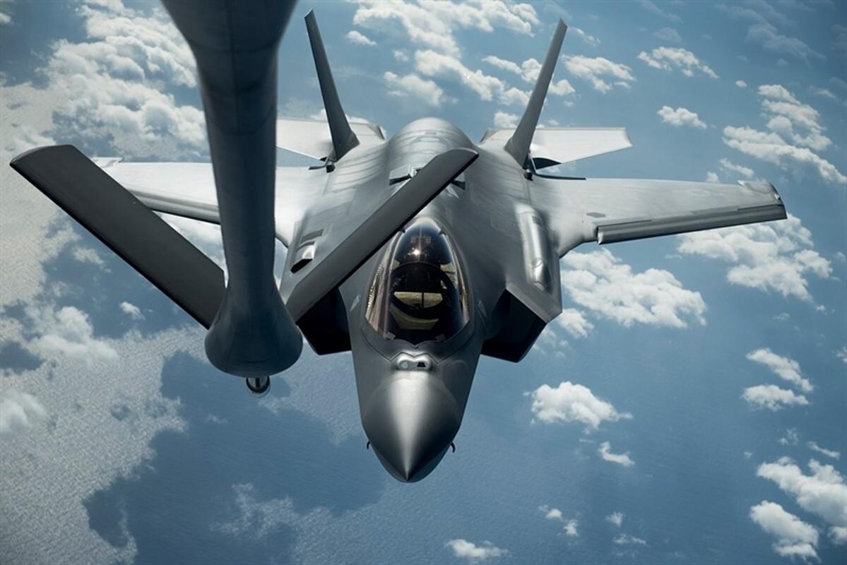 Mu bay gia gan 1 trieu USD/chiec cua phi cong F-35 bi che bai tham te-Hinh-6