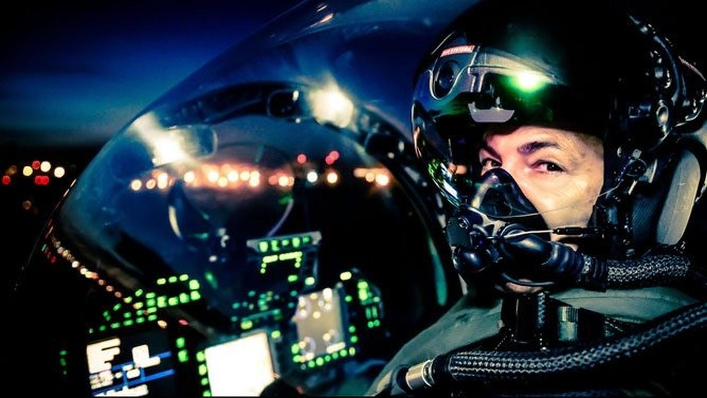 Mu bay gia gan 1 trieu USD/chiec cua phi cong F-35 bi che bai tham te