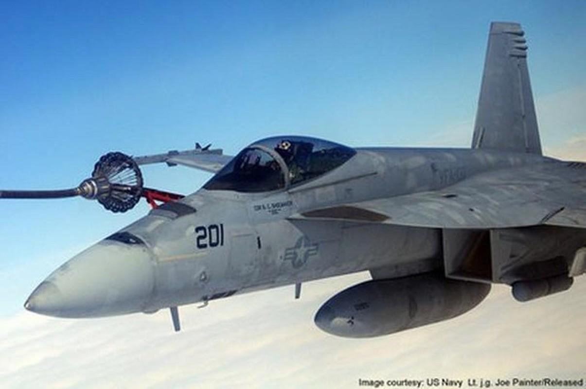 Iran suyt ban ha tiem kich ham F/A-18, Hai quan My lap tuc dan mat!-Hinh-3