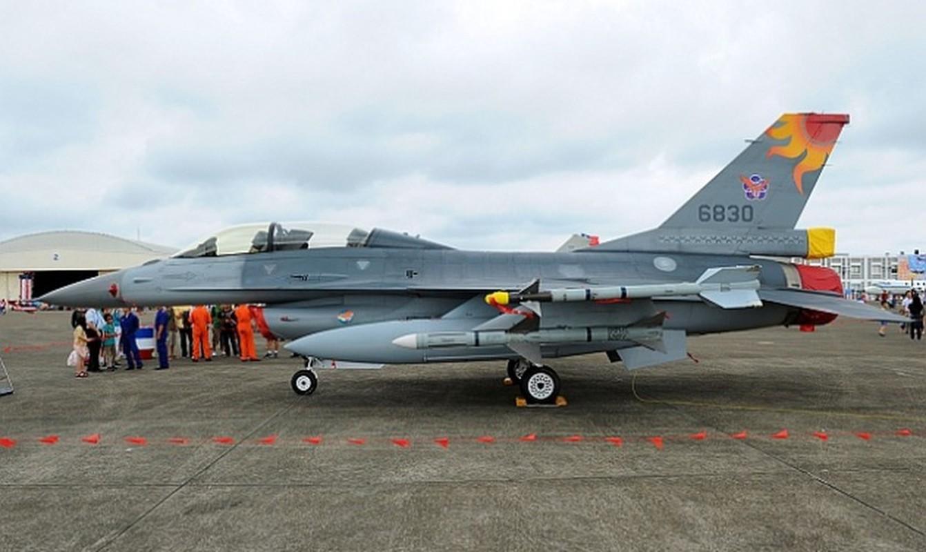 Phi doi F-16V Dai Loan bat ngo tap tran chong lai cuoc tan cong tu Trung Quoc-Hinh-5