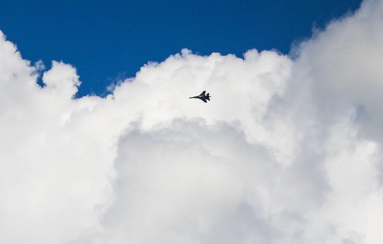 Su-27 Nga roi rat gan vi tri nhom tau chien NATO, chuyen gi da xay ra?-Hinh-2